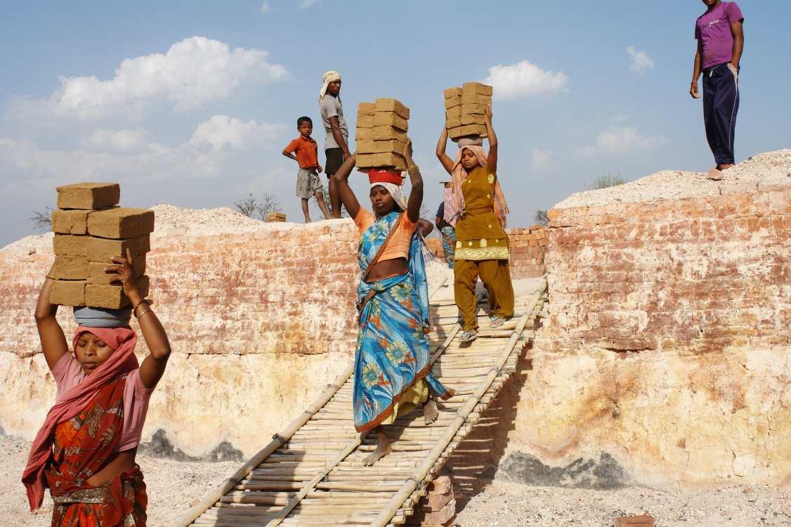 Brick Kiln workers_© ILO_covid-coronavirus