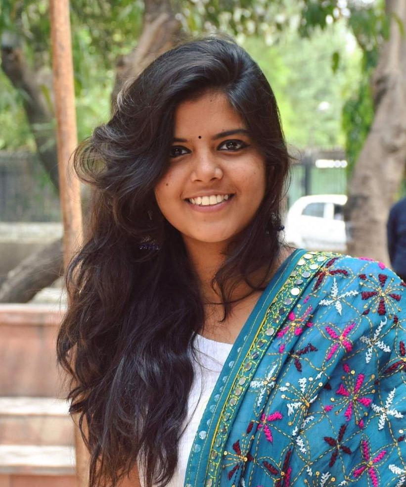 Divya Kandukuri_profile