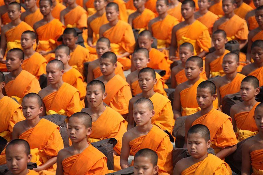 novices meditating-meditation