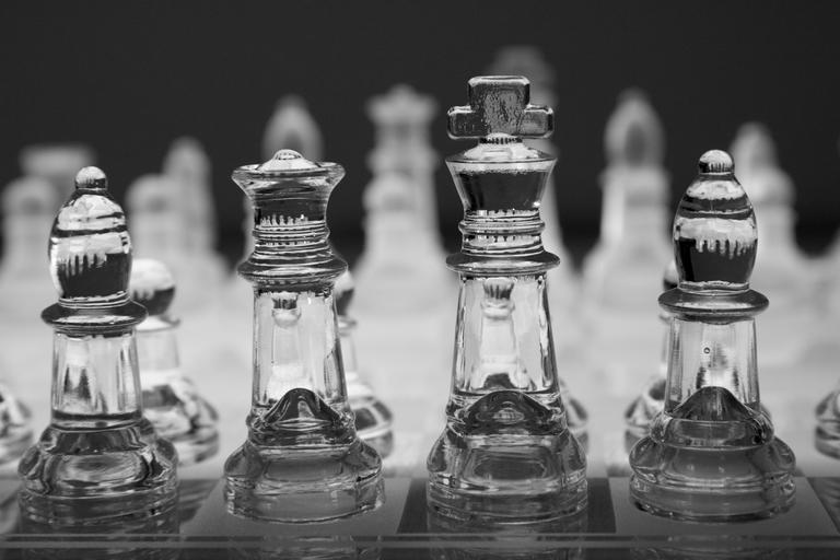 glass chess pieces_pixabay