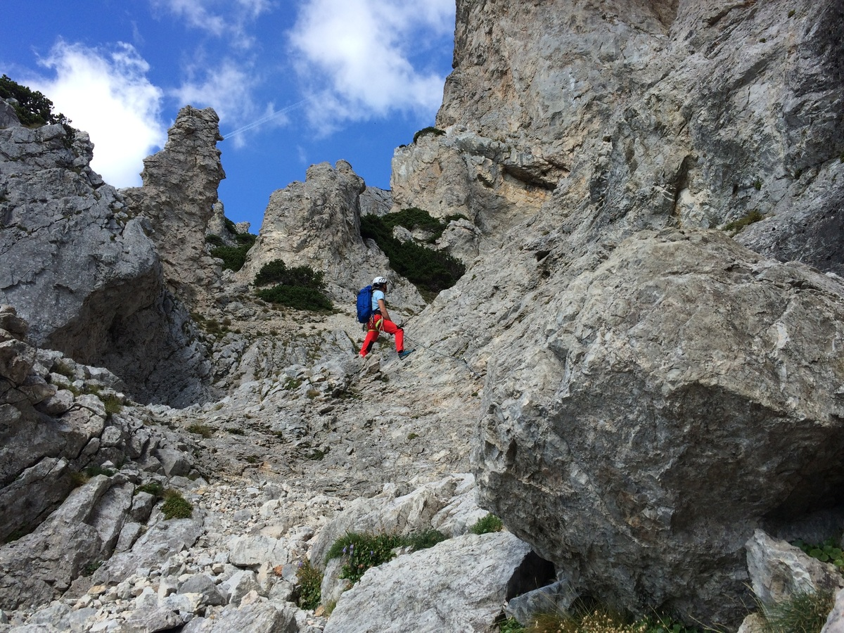 rock climing_pxhere_scale