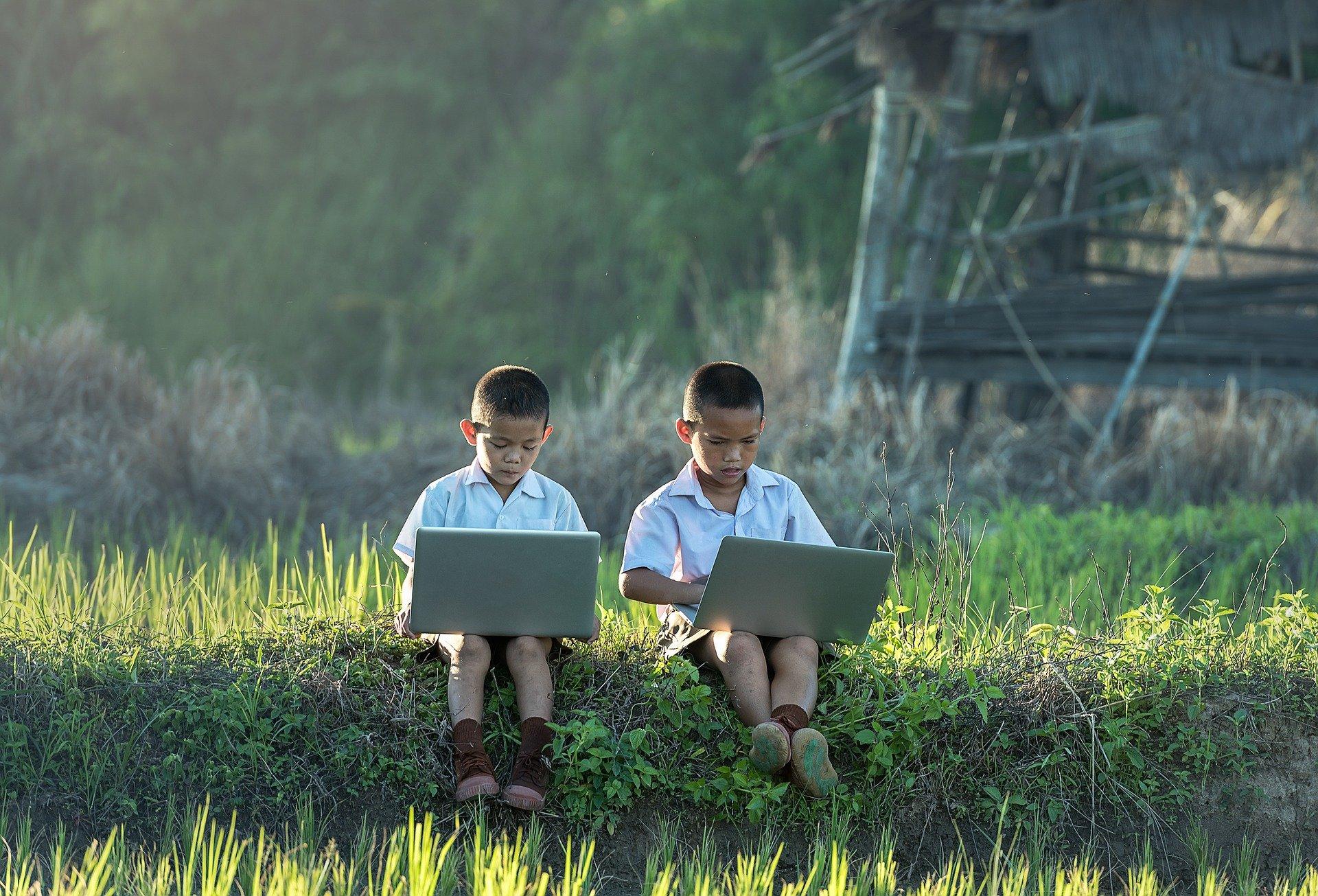 children-pixabay_international webinars