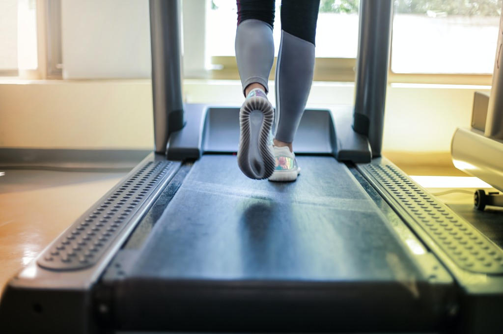 fundraising challenges-person running on a treadmill