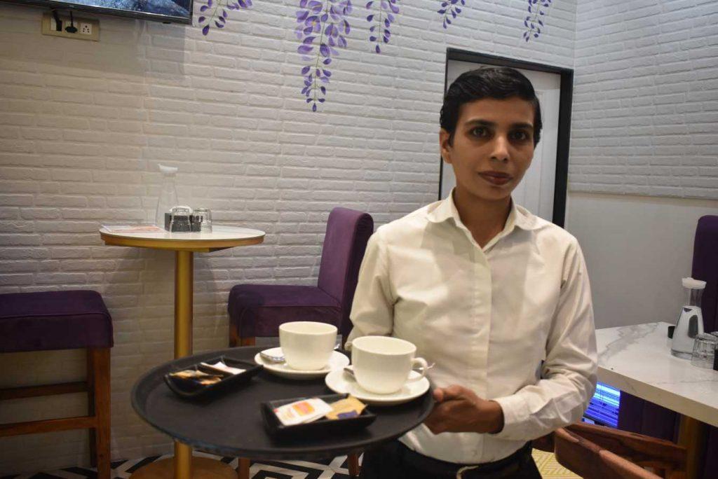 kisni serving food-hospitality sector