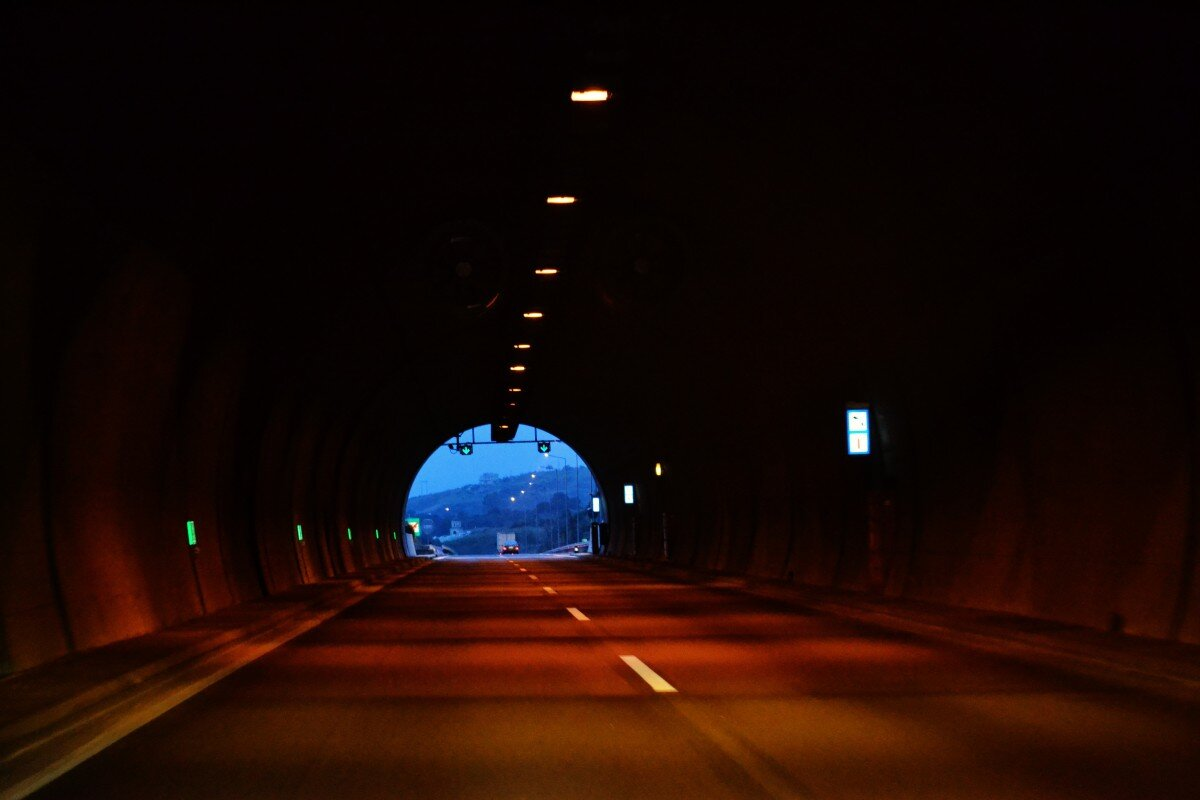 light at the end of the tunnel_pxhere_social stock exchange
